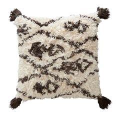 Dit sierkussen Aiston van het merk whkmp's own is gemaakt van katoen. Het handgeweven kussen is zacht en heeft een all over dessin met kwastjes