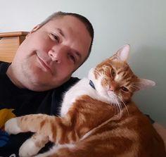 Tirou mais selfies com seu gato do que com qualquer outra pessoa.   21 coisas meio estranhas que toda pessoa que gosta de gatos já fez