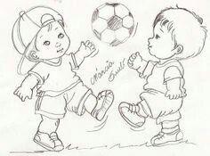 Meninos jogando bola