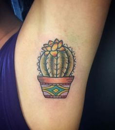 Le tatouage à l'aisselle : un cactus