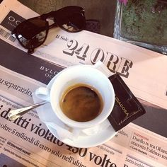 coffee, newspaper and sunglasses (good things) - photography inside the cafe Best Espresso, Espresso Coffee, Coffee Cafe, Coffee Shop, Double Espresso, I Love Coffee, Coffee Break, My Coffee, Morning Coffee
