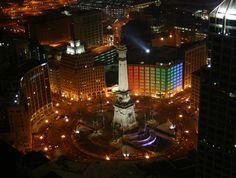 *photo by: stacey sacks*  ::   Downtown Indianapolis, IN