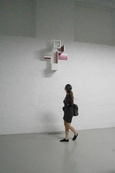 Brantt - 'Input-Output', De Bond, Bruges (be) Magenta-20/100.80.70, 100 × 80 × 70 cm.