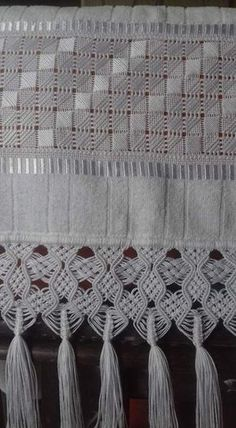 Pulled thread embroidery with Macramé boarder. Types Of Embroidery, Hand Embroidery Stitches, Hand Embroidery Designs, Embroidery Patterns, Cross Patterns, Macrame Patterns, Broderie Bargello, Swedish Weaving, Drawn Thread