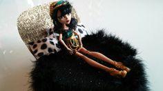 Un jolie lit pour Cleo de Nile cette jolie monster high de plus de 5000 ans d'âge.  Fabriqué par Valérie-Eve Plourde et Chanel Renaud.