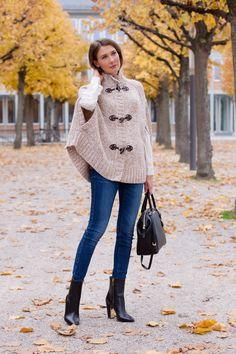 Outfit: Easy Chic | Mood For Style - Fashion, Food, Beauty & Lifestyleblog | Wollcape: Michael Kors / Seidenhemd: Mrs & Hugs / Jeans: Zara -  Schuhe: Hugo Boss / Tasche: Michael Kors