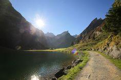 Seealpsee - einer der schönsten Seen der Schweiz. Urlaub im schweizerischen Appenzell lohnt sich für alle Ruhesuchenden Urlauber. Ferienstimmung pur.