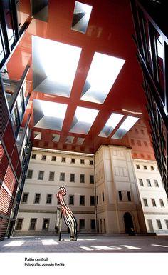 Interior del Reina Sofía/Reina Sofía Museum