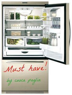 Siamo finalmente in primavera e come accade per il nostro guardaroba anche il frigorifero esige un cambio stagione. Come una brava shopping ...