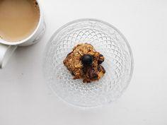 {blueberry breakfast cookie + coffee} This Muslim Girl Bakes: August Food + Favourites! Blueberry Breakfast, Breakfast Cookies, Breakfast Recipes, Muslim Girls, Baking, Coffee, Tableware, Food, Kaffee