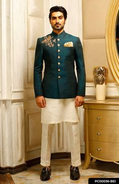 Revaz' - Make a style statement this wedding season in this breathtaking emerald green waistcoat with just the right amount of detailed embellishments. Prince Suit, Blazer Outfits Men, Nikkah Dress, Western Outfits, Wedding Season, Emerald Green, Mens Suits, Wedding Styles, Embellishments