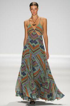 New York fashion week, Mara Hoffman spring collection. Fashion Moda, Fashion Week, Love Fashion, Runway Fashion, High Fashion, Fashion Show, New York Fashion, Fashion Design, Mara Hoffman