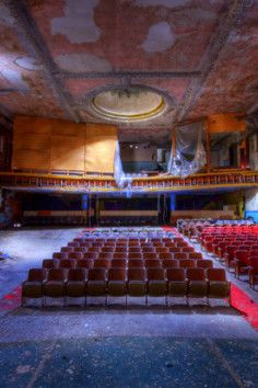 This abandoned theater is an urban explorer's dream