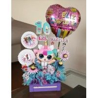 SIEMPRE JUNTOS Valentines Day Baskets, Easter Baskets, Ideas Para, Flowers, Business, Special Gifts, War, Man Birthday Presents, Balloon Decorations Party