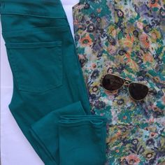 Teal Skinny Pants Skinny pants in dark turquoise. Plain back pockets. Button and zipper closure. Skinny style. Lightly worn but in good condition. 98% Cotton 2% spandex. No trades Bullhead Pants Skinny