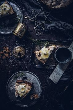 Get your coat and enjoy this dual recipe, based on a winter nordic theme: Almond Cake topped with a Rhubarb, Black Current, & Rose Jam! Mini Pavlova, Dark Food Photography, Life Photography, Black Currants, Almond Cakes, Cake Toppings, Coffee Cake, Belle Photo, Food Styling