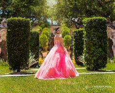 Beautiful quinceañera at Vizcaya, Miami www.jfnodarse.com