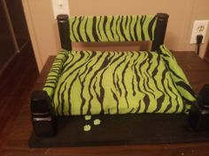 I made this pet bed. Good for a small dog, and even a cat.