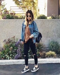 Gorgeous Black Jeans Outfit Ideas For Women (13)