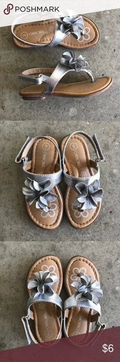 08e97fae8db507 Cherokee sandals Gray flower sandals with Velcro closure at the back from  Cherokee. In play