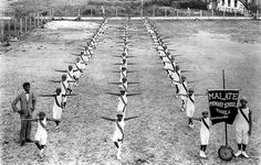 Malate Primary School, Manila, 1920 The group won first prize in the calisthenic exercise on Playground Day. Class Pictures, Group Pictures, Old Pictures, Filipiniana, Cool Photos, Interesting Photos, Vintage School, Pinoy, Primary School