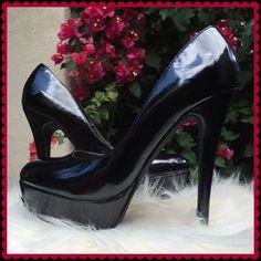 """NIB black patent platform heel, 6.5 4.5"""" heel, 1.25"""" platform Miss A Shoes Heels"""