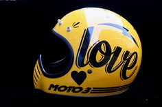 You sexy thing, get on my crown right now. (After we've re-padded you of course, love.) #moto3 #helmet #vintage