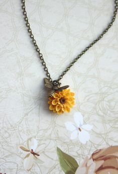 Flying Bee Necklace. Bee and Sunflower Honey Bee and von Marolsha