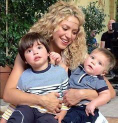 """Shakira: """"Mis hijos son mitad colombianos"""" ~ Latina 104 FM - La bonita de Santo Domingo"""
