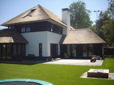 Nieuwbouw woning Fam de Kruijk Happy House, My House, Style At Home, Different House Styles, Castle House, House Extensions, House Goals, Modern House Design, Future House