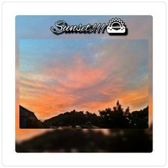 Da janela do meu quarto aprecio essa incrivel beleza de por-do-sol!!! Amazing sunset
