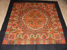 Woolen big scarf Vesela kocka Vintage Antiques, Shawl, Origami, Bohemian Rug, Paisley, Rugs, Decor, Farmhouse Rugs, Decoration