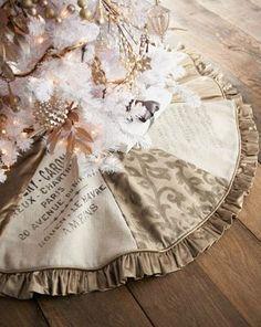 Nice tree skirt design- love the mix of  fabrics