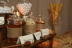 Un tavolo dedicato alla degustazione dei #confetti