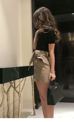Mini Skirt Dress Ideas For Your Best Perfect Looking - Fashion Inspo - Best Of Women Outfits Mini Skirt Dress, Mini Skirts, Mini Skirt Outfits, Mini Skirt Style, Mode Outfits, Fashion Outfits, Womens Fashion, Fashion 2018, Cute Casual Outfits