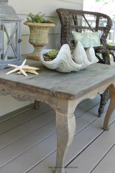 driftwood-product-review-the-painted-chandelier-spring-porch-table