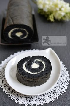 Bake for Happy Kids: Cottony Soft Charcoal Swiss Roll
