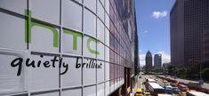 Официально: Google разрешили купить HTC https://itzine.ru/news/business/official-google-buy-htc.html  Осамой сделке было объявлено всентябре. Еёстоимость равняется 1,1 миллиарду долларов США. Дело оставалось замалым— необходимо было получить согласие отТайваньской комиссии поинвестициям, являющейся местным антимонопольным регулятором. 15декабря сделка была одобрена. Нафоне этого стоимость акций HTC увеличилась на6%. Сделка будет закрыта впервом квартале 2018. HTC понимают, что…