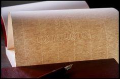 Per il Solus abbiamo utilizzato carta Conqueror, prodotta dalla rinomata azienda spagnola leader nel settore della produzione cartaria da oltre 120 anni. Tutte le carte utilizzate, inoltre, sono prodotte con polpa certificata FSC: una scelta che ben si sposa con la nostra filosofia di lavoro, che ha nel rispetto dell'ambiente uno dei suoi capisaldi. www.quotus.it