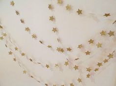 String of glitter wishing stars paper garland ***Wish upon a star*** Christmas on Etsy, Baby Birthday, 1st Birthday Parties, Twinkle Star Party, Madagascar Party, Shower Party, Baby Shower, Baptism Themes, Baby Dedication, Paint Samples