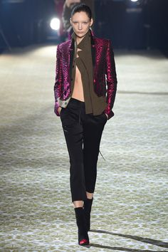 Haider Ackermann Fall 2016 Ready-to-Wear Fashion Show Cofusing textures not interally successful