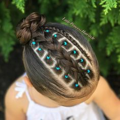 Toddler Braided Hairstyles with Beads Lil Girl Hairstyles, Princess Hairstyles, Braided Hairstyles, Hair Due, Her Hair, Curly Hair Styles, Natural Hair Styles, Girl Hair Dos, Toddler Hair
