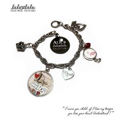 Steel bracelet with charms - Queen of Hearts - Alice in Wonderland - Bracciale in acciaio con ciondoli Alice in di LeleleleCreations