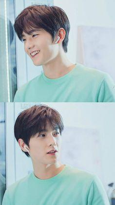Hiuhiu mấy nay t bị thích màu xanh nên lưu ảnh này, mà công nhận ảnh mặc áo này đẹp quạ, trụy tym mất Handsome Actors, Handsome Boys, Asian Actors, Korean Actors, Park Hyun Sik, Love 020, Yang Yang Actor, Wei Wei, Perfect Boyfriend