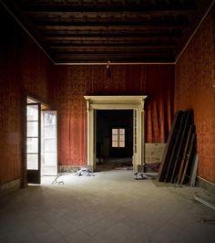 Antigua sala de estar en la planta noble. Centro Cultural Casal Balaguer. Fotografía © Adrià Goula.