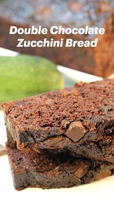 Chocolate Zucchini Bread, Zucchini Bread Recipes, Cake Recipes, Dessert Recipes, Blackberry Cobbler, Cobbler Recipe, Loaf Cake, Dessert Bread, Chocolate Chocolate