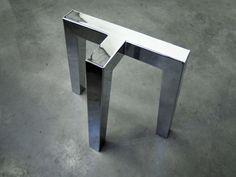 Lot de 2 tréteaux en acier thermolaqué / Design épuré / Fabrication artisanale française sur mesure / Relation directe avec le fabricant