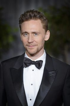 #TomHiddleston attends the EE British Academy Film Awards at The Royal Opera House on February 8, 2015 in London, England.
