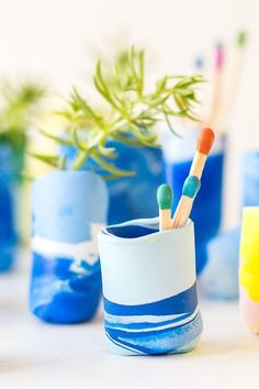 Make It Mini: DIY Marbled Mini Vases #clay #claycrafts #diy #vass
