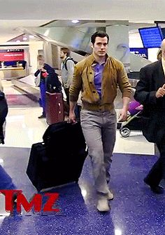 Henry Cavil in jeans arriving.